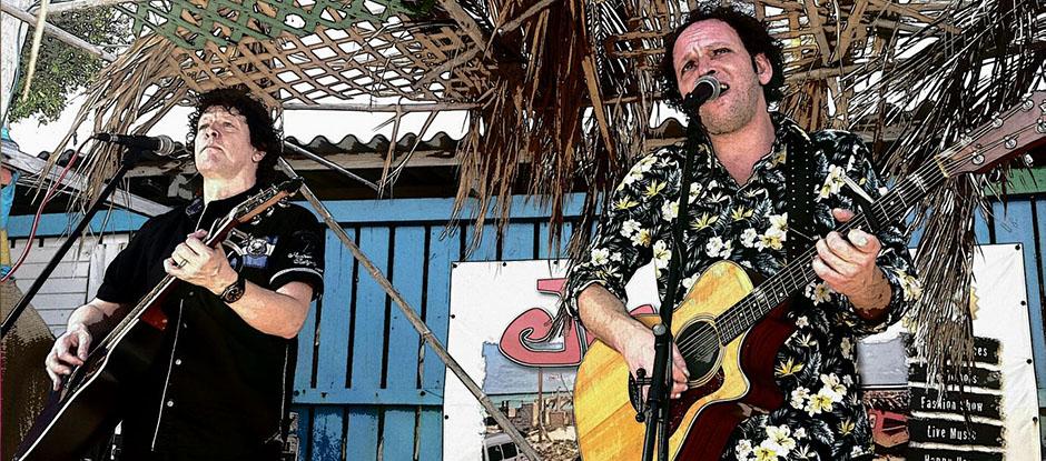 Akoestisch duo Big Bucks & Easy Money. bandje boeken voor muziekcafé? Het leukste akoestisch duo voor elk feestje
