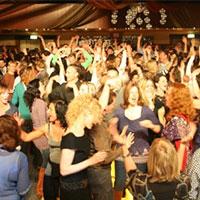 K'BAM! De akoestische rockband in de Kentering, Rosmalen. bandje huren voor een tuinfeest? Ben's Bookings heeft live muziek voor je feest, bruiloft, café, receptie of ander evenement.