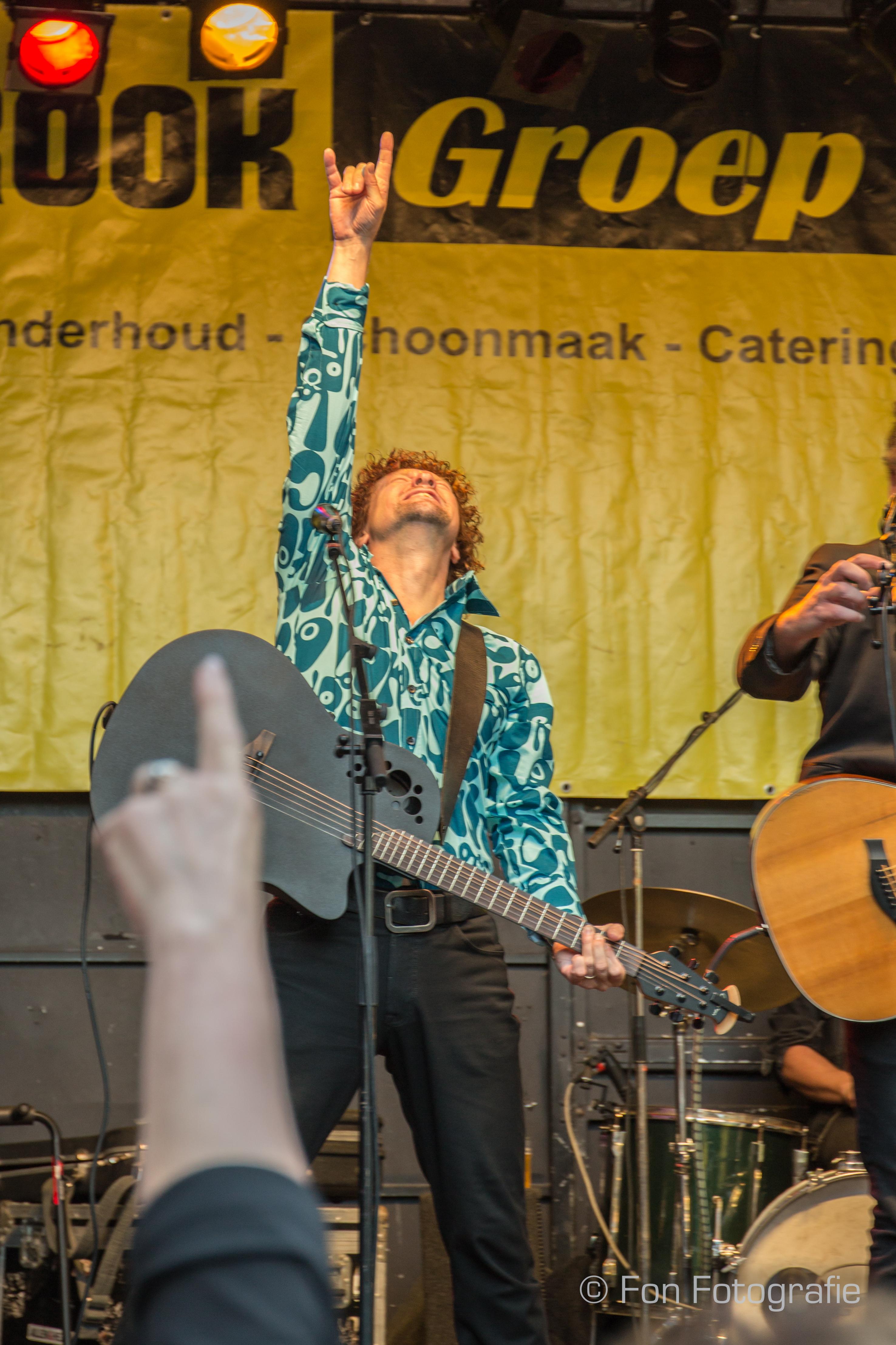 K'BAM! De akoestische rockband. Akoestische covers in Rotterdam. Band boeken? Ga naar Ben's Bookings.
