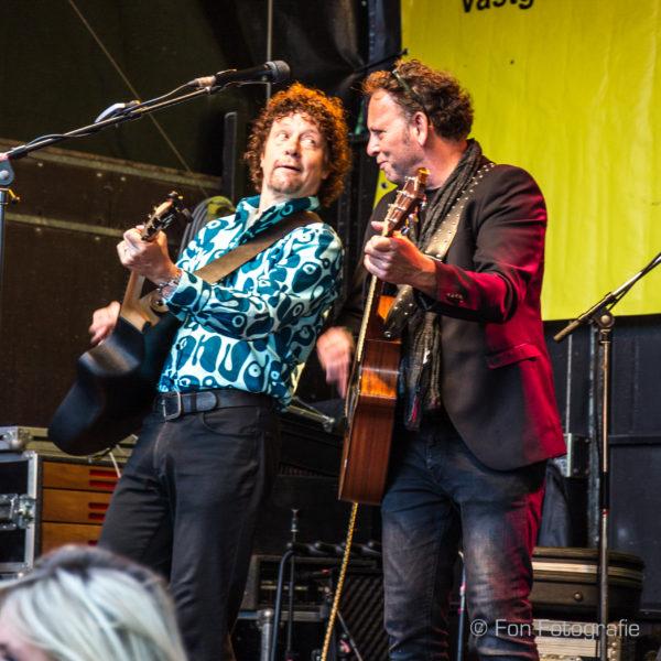 Ben Blaauw en Anton Arema bij K'BAM! De akoestische rockband. bandje boeken voor huwelijk? Vind een popgroep bij Ben's Bookings