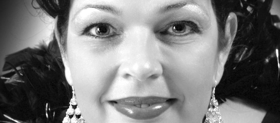 Jazz zangeres Madame Jeanette. Band gezocht voor receptie? Mme Jeanette en haar Peppers spelen songs van o.a. Billie Holiday, Frank Sinatra en Ella Fitzgerald