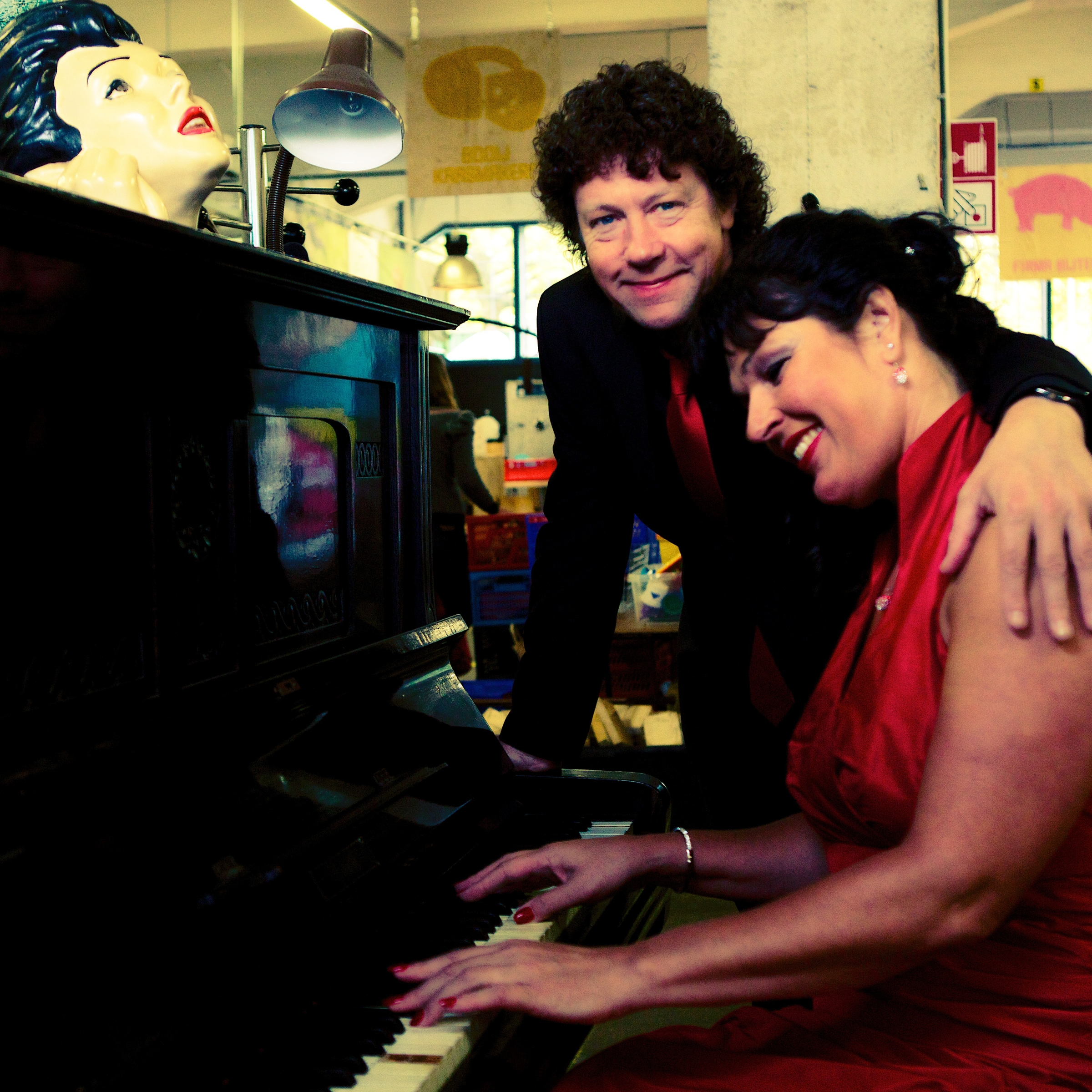Ben Blue en Madame Jeanette aan de piano. Jazz band voor huwelijk, receptie of diner gevraagd? Boek hier live muziek.