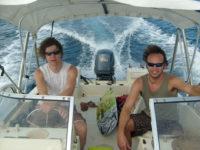 Muzikanten Big Bucks & Easy Money spelen regelmatig op het zonnige Bonaire. Je kunt het duo hier boeken.