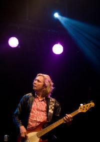 Bassist Ocki Klootwijk van bluesband Hurricane Bob, het Rotterdamse powertrio. live muziek gezocht voor braderie? Wij hebben een zanger gitarist, akoestisch duo, een feestband, jazz combo en een bluesrock powertrio