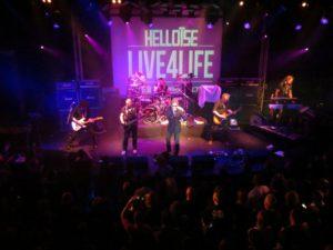 Gitarist zanger Ben Blaauw, alias Ben Blue met zijn jaren 80 hardrock band Helloise. live muziek boeken voor een verjaardag? Wij hebben een band voor elke gelegenheid.