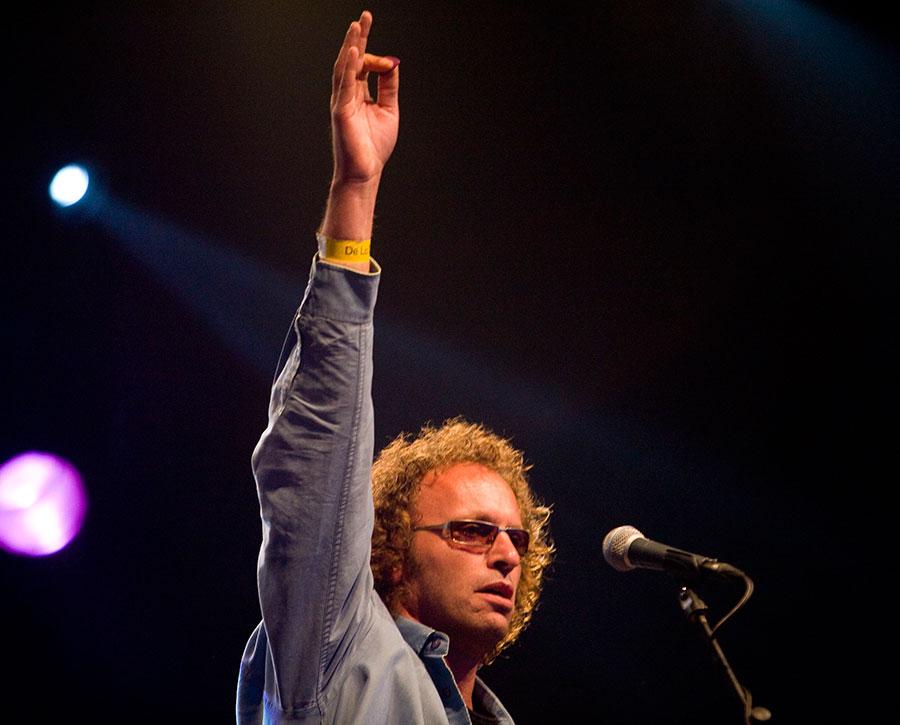 Anton Arema bij K'BAM! live muziek huren voor een juileum? Huur de beste coverband bij Ben's Bookings