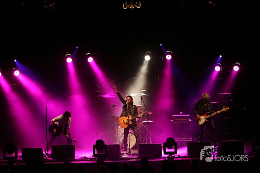 K'BAM! De akoestische rockband. live muziek huren voor een juileum? Boek de akoestische rockband bij Ben's Bookings.