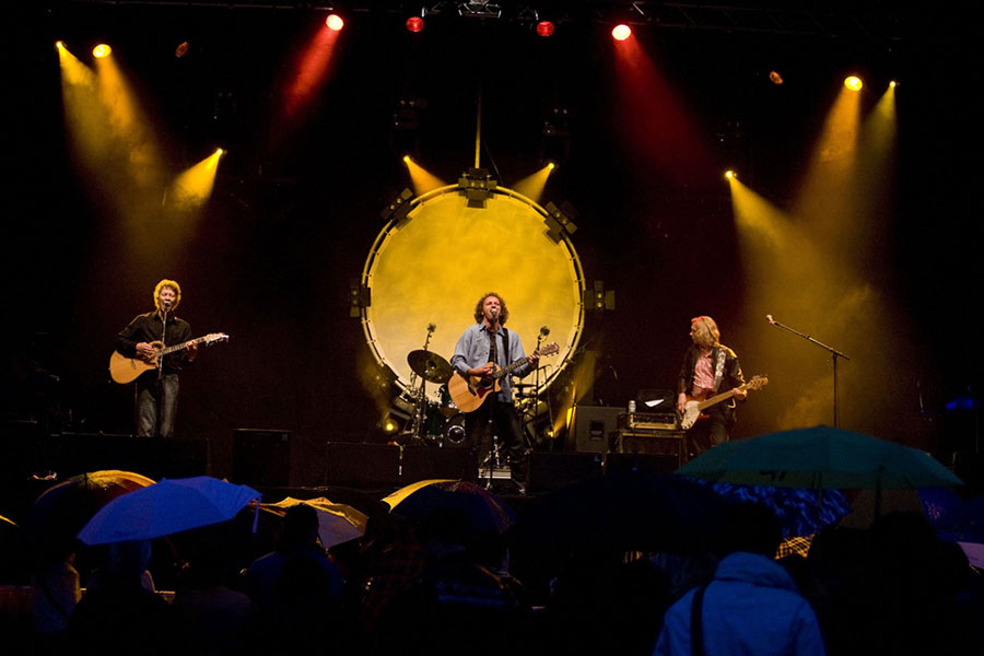 K'BAM! de akoestische rockband. bandje huren voor een tuinfeest? Je kunt deze coverband boeken bij Ben's Bookings