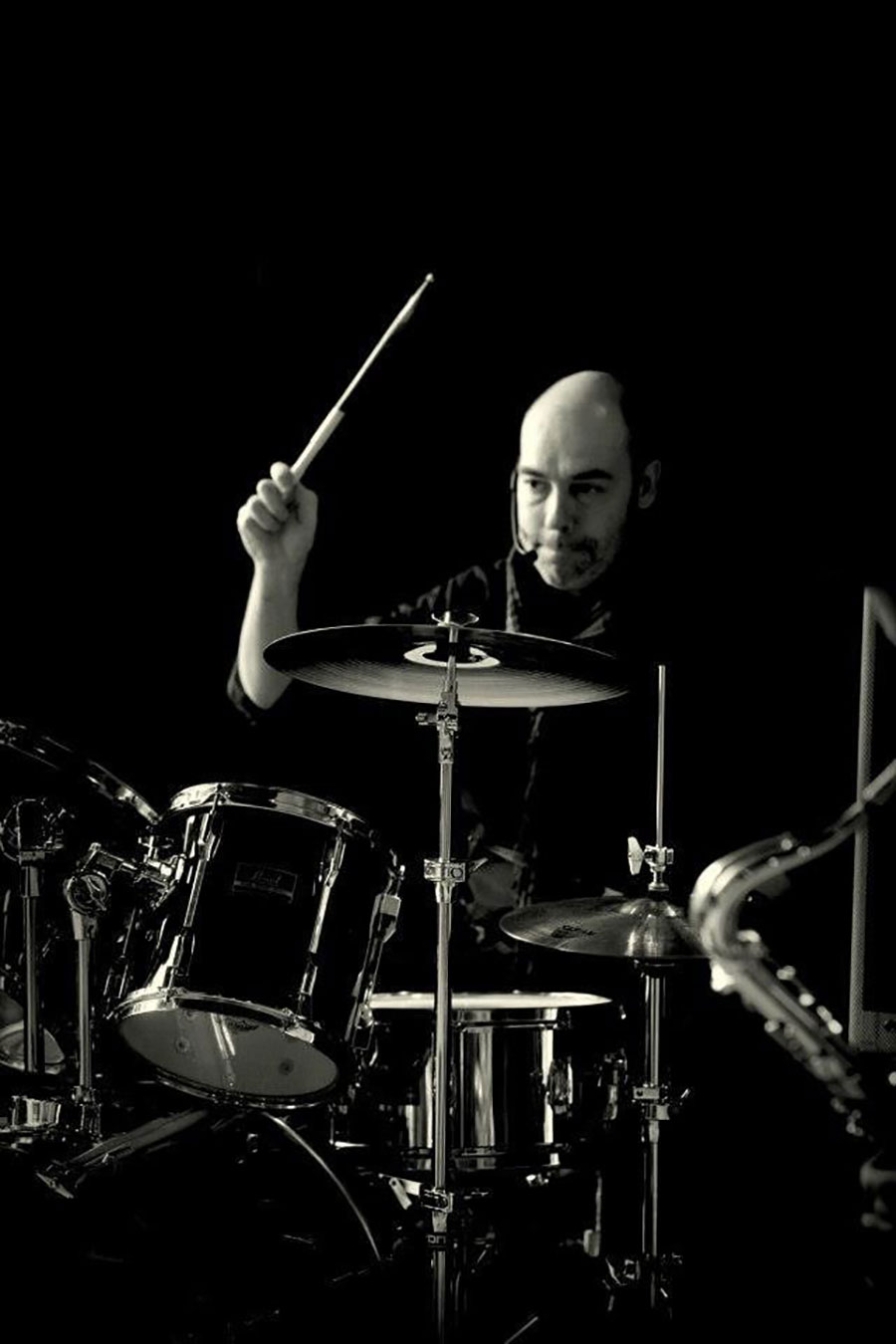 Drummer Onno Roell. Stijlvolle lounge muziek? Madame Jeanette & the Peppers, jazz, lounge, easy listening en close harmony.
