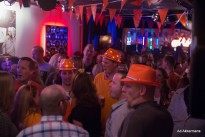 Oranje feestgangers. bandje huren? Big Bucks & Easy Money brengen covers van CCR, Johnny Cash, U2, Kings of Leon, Mink DeVille, AC/DC, Nirvana, Jason Mraz e.v.a.